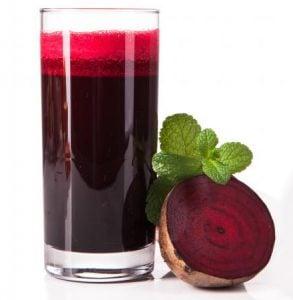 glas med rödbetsjuice