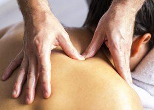 massage och massagepistol mot triggerpunkter