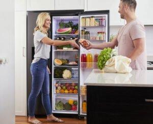 Kylskåp - dörr öppnas - omhängbar
